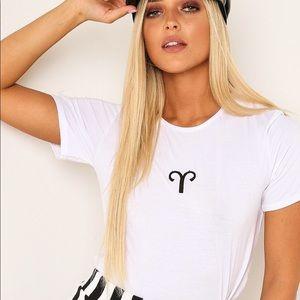 "White graphic print zodiac sign T-shirt "" Aries"""